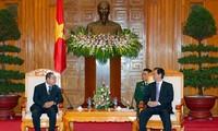 Premierminister Nguyen Tan Dung empfängt Thailands Verteidingungsminister Wongsuwon
