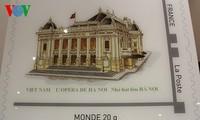 Frankreich gibt eine Briefmarkensammlung mit Motiven über Vietnam heraus