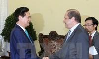 Premierminister Nguyen Tan Dung empfängt den algerischen Botschafter Mohamed Berrah