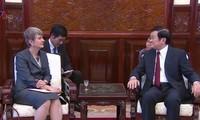 Staatspräsident Truong Tan Sang empfängt ausländische Botschafter in Vietnam