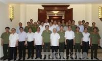 KPV-Generalsekretär Nguyen Phu Trong: Volkspolizei stark und transparent aufbauen