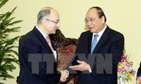 Vizepremierminister Nguyen Xuan Phuc empfängt Vertreter aus Hessen