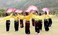 Volkskünstler Vu und der traditionelle Tanz des Nordwestens
