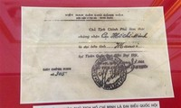 Ausstellung über Ho Chi Minh und Parlamentswahlen