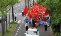 Kundgebung der in Japan lebenden Vietnamesen nach dem PCA-Urteil