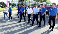 """Tausende junge Freiwillige nehmen am Lauf """"zur Schule"""" teil"""