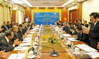 Vietnam und Laos wollen Zusammenarbeit der Fronten vertiefen