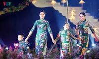 Ao Dai-Festival Hanoi vermittelt kulturelle Botschaft
