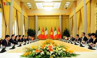 Staatspräsident Tran Dai Quang empfängt irischen Präsidenten Michael Daniel Higgins