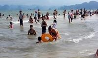 Mehr als 26.000 Gäste besuchen Halong-Bucht beim Jahreswechsel