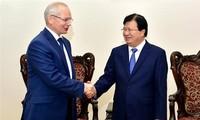 Vizepremierminister Trinh Dinh Dung empfängt Premierminister der russischen Republik Baschkortostan