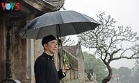Vietnamesischer Botschafter macht Werbungen für Nationaltracht Ao dai