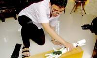 Pham Huy stellt Roboterarme für Behinderte her