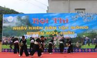 Start des Kulturfestes der verschiedenen Volksgruppen Vietnams in Moc Chau
