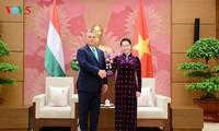 Parlamentspräsidentin Nguyen Thi Kim Ngan empfängt Ungarns Premierminister Viktor Orban
