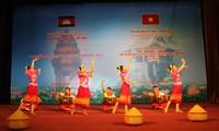 การพบปะมิตรภาพเวียดนาม-กัมพูชา