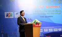 พัฒนาเทคโนโลยีสารสนเทศคือเส้นทางที่สั้นที่สุดเพื่อให้เวียดนามก้าวรุดหน้าไปกับยุคสมัย