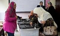 การทำประชาพิจารณ์เกี่ยวกับรัฐธรรมนูญฉบับใหม่ในอียิปต์วันแรกเป็นไปอย่างราบรื่น