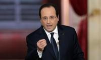 ประธานาธิบดีฝรั่งเศสแถลงข่าวต่อสื่อมวลชนเกี่ยวกับการพัฒนาเศรษฐกิจ