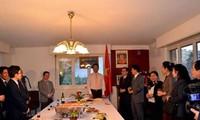 กระชับความสามัคคีมิตรภาพเวียดนาม-ลาว-กัมพูชา ณ เมืองเจนีวา