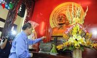 ประธานแนวร่วมปิตุภูมิเวียดนาม เหงียนเถี่ยนเญิน เยือนเขตอนุสรณ์สถานประธาน โตนดึ๊กทั้ง ผู้ล่วงลับ