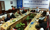 การพบปะสังสรรค์มิตรภาพเวียดนาม-สหรัฐ ณ นครดานัง