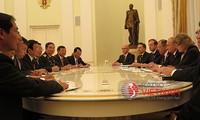 ผลักดันความสัมพันธ์หุ้นส่วนยุทธศาสตร์ในทุกด้านเวียดนาม-รัสเซียให้มากขึ้น