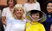 นาง Jill Biden ภริยาของรองประธานาธิบดีสหรัฐ โจไบเดน เยือนนครโฮจิมินห์