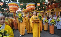 เวียดนามให้ความเคารพและค้ำประกันสิทธิเสรีภาพในความเลื่อมใสและนับถือศาสนาของประชาชนทุกคนอยู่เสมอ