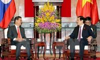 ประธานประเทศ เจืองเติ๊นซาง ให้การต้อนรับนาย สมสวาท เล่งสวัสดิ์ รองนายกรัฐมนตรีลาว