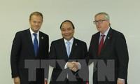 นายกรัฐมนตรี เหงียนซวนฟุก พบปะทวิภาคีกับผู้นำของประเทศต่างๆนอกรอบการประชุมผู้นำจี7ขยายวง