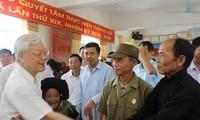 เลขาธิการใหญ่พรรคคอมมิวนิสต์เวียดนาม เหงียนฟู้จ่อง ตรวจราชการที่จังหวัดลายโจว