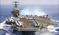 เรือบรรทุกเครื่องบินของสหรัฐลาดตระเวนในทะเลตะวันออก