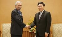 รองนายกรัฐมนตรี ฝ่ามบิ่งมิงห์ ให้การต้อนรับหัวหน้าสำนักงานตัวแทนของยูเอ็นดีพีประจำเวียดนาม