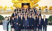 นายกรัฐมนตรี เหงียนซวนฟุก เรียกร้องให้สถานประกอบการฮ่องกง ประเทศจีนลงทุนในโครงสร้างพื้นฐาน