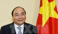 นายกรัฐมนตรี เหงียนซวนฟุก นำคณะผู้แทนเวียดนามเข้าร่วมฟอรั่มเศรษฐกิจโลกเกี่ยวกับอาเซียน 2017
