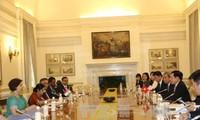 รองนายกรัฐมนตรีและรัฐมนตรีต่างประเทศ ฝ่ามบิ่งมิงห์ เยือนอินเดีย