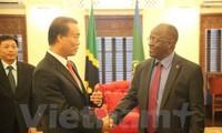 ประธานาธิบดีแทนซาเนียให้คำมั่นที่จะอำนวยความสะดวกให้แก่นักลงทุนเวียดนาม