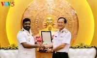 ผู้บัญชาการกองทัพเรือเวียดนามให้การต้อนรับผู้บัญชาการกองทัพเรือฟิลิปปินส์