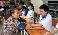 อำนวยความสะดวกให้แก่สมาคมให้การศึกษาและดูแลสุขภาพของชุมชนเวียดนามพัฒนาต่อไป