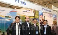 บูธของเวียดนามในงานนิทรรศการการท่องเที่ยวนานาชาติยูเครนครั้งที่ 24 ดึงดูดผู้ชมเป็นจำนวนมาก