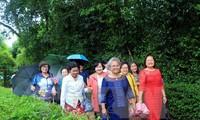 รองประธานรัฐสภาอวงจูลิวพบปะกับคณะอดีตครูอาจารย์ชาวไทยเชื้อสายเวียดนาม
