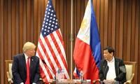 สหรัฐและฟิลิปปินส์ให้คำมั่นที่จะธำรงเสรีภาพในการเดินเรือในทะเลตะวันออก