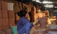 การอนุรักษ์อาชีพทำเครื่องเซรามิกที่หมู่บ้าน เตินหว่านที่มีอายุนับร้อยปี