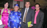 Writer Chi Trung wins regional award