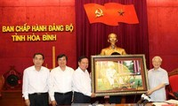 Party chief makes fact-finding tour of Hoa Binh province
