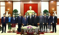 Vietnam, Laos cement Party ties