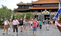 Foreign arrivals to Vietnam increase sharply