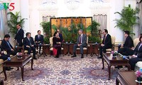 NA Chairwoman meets Singapore leaders