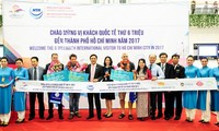 HCM city welcomes 6 millionth foreign visitor